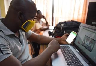 """""""L'œil Des Jeunes"""" qui lance sa campagne de communication """"Jeune mais pas invincible"""" via la plateforme interactive QG JEUNE avec l'appui du Fonds des nations unies pour la population (UNFPA)."""