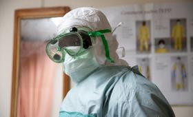 le bureau Pays assiste le Gouvernement du Burkina Faso dans l'élaboration et la mise en œuvre du plan de riposte du pays. Les staffs de UNFPA sontmobilisés dans les différentes commissions mises en place par le gouvernement pour endiguer la propagation du virus.