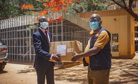 UNFPA fait don de Kits de protection